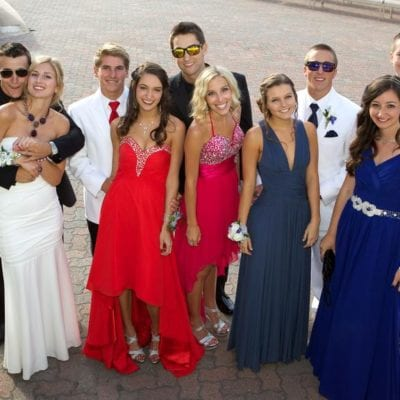 Driving Dos and Don'ts to Pay Attention To on Prom Night